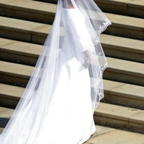 A Classic Is New Again: Drop Bridal Veils