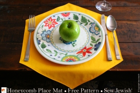 Honeycomb Place Mat Sewing Pattern {Free PDF Pattern}