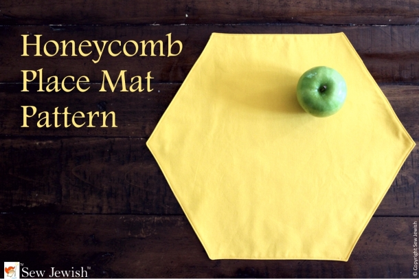Honey Comb Place Mat with Apple