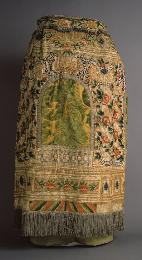 Torah Mantle with Roses